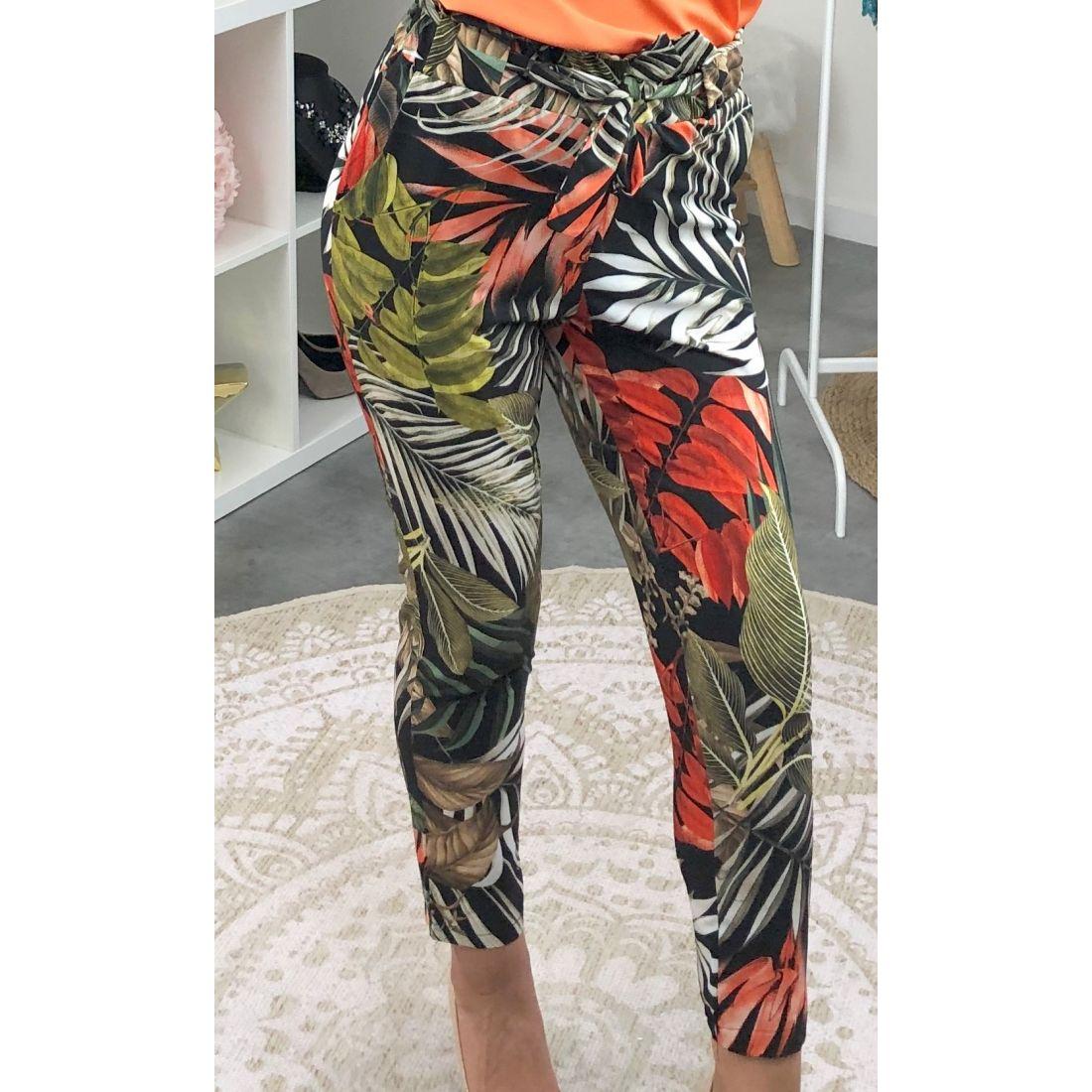 Pantalon léger coupe ajusté noir imprimé tropical