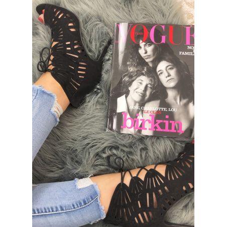 Sandale à talon style daim noire