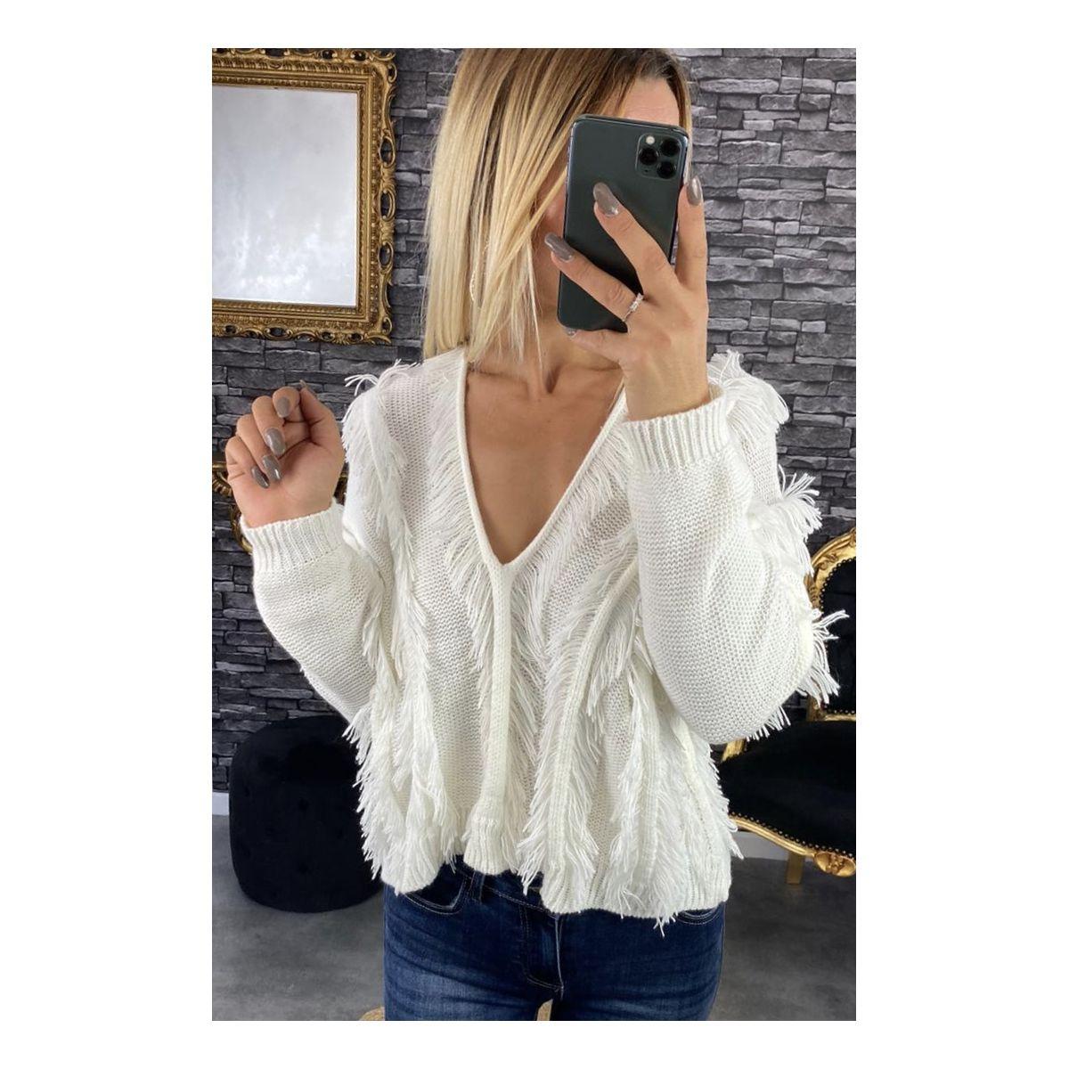 Pull blanc joli frange