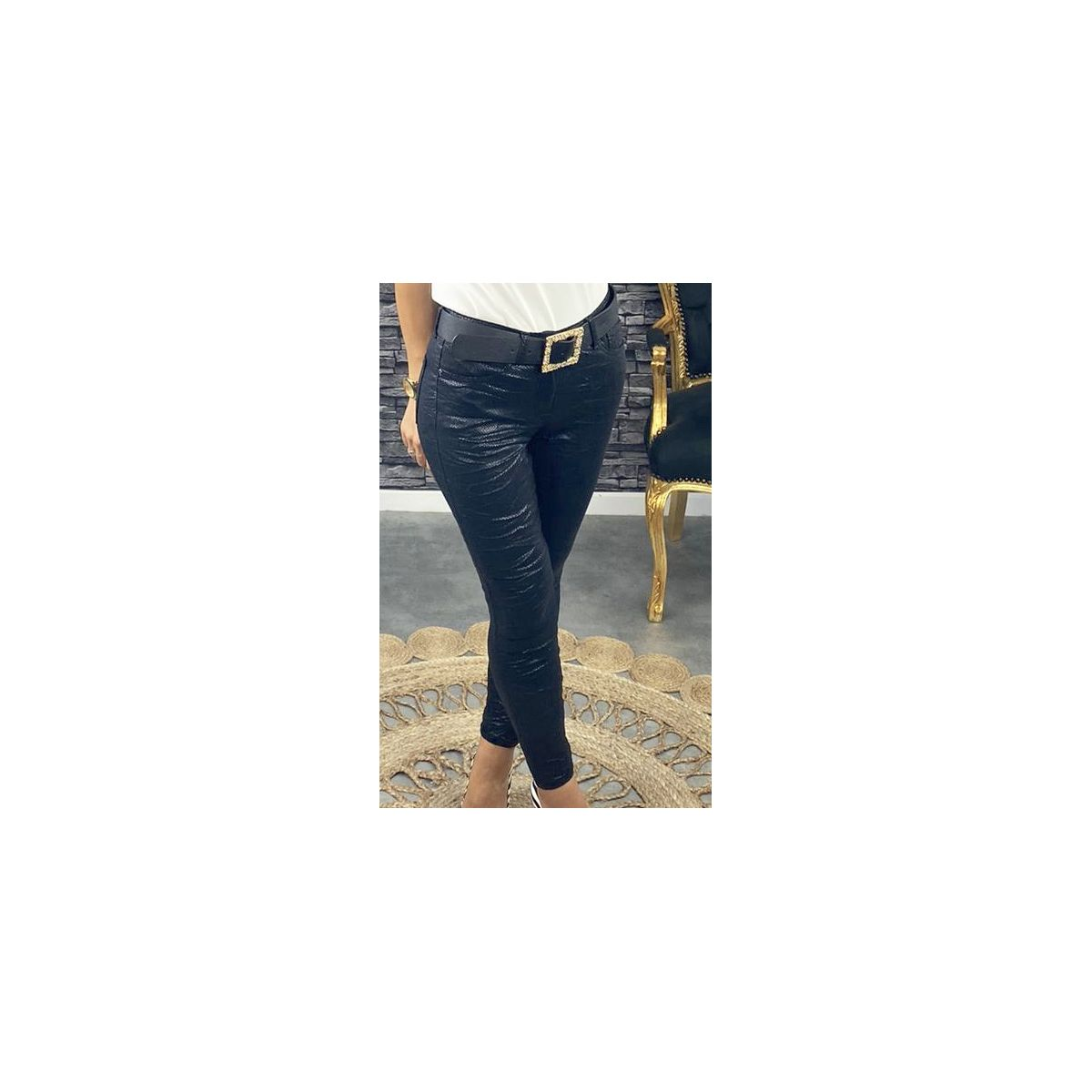 "Pantalon noir ""style croco"""