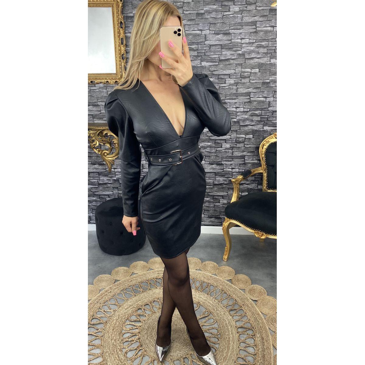Robe style cuir noir taille pincé et ceinturé