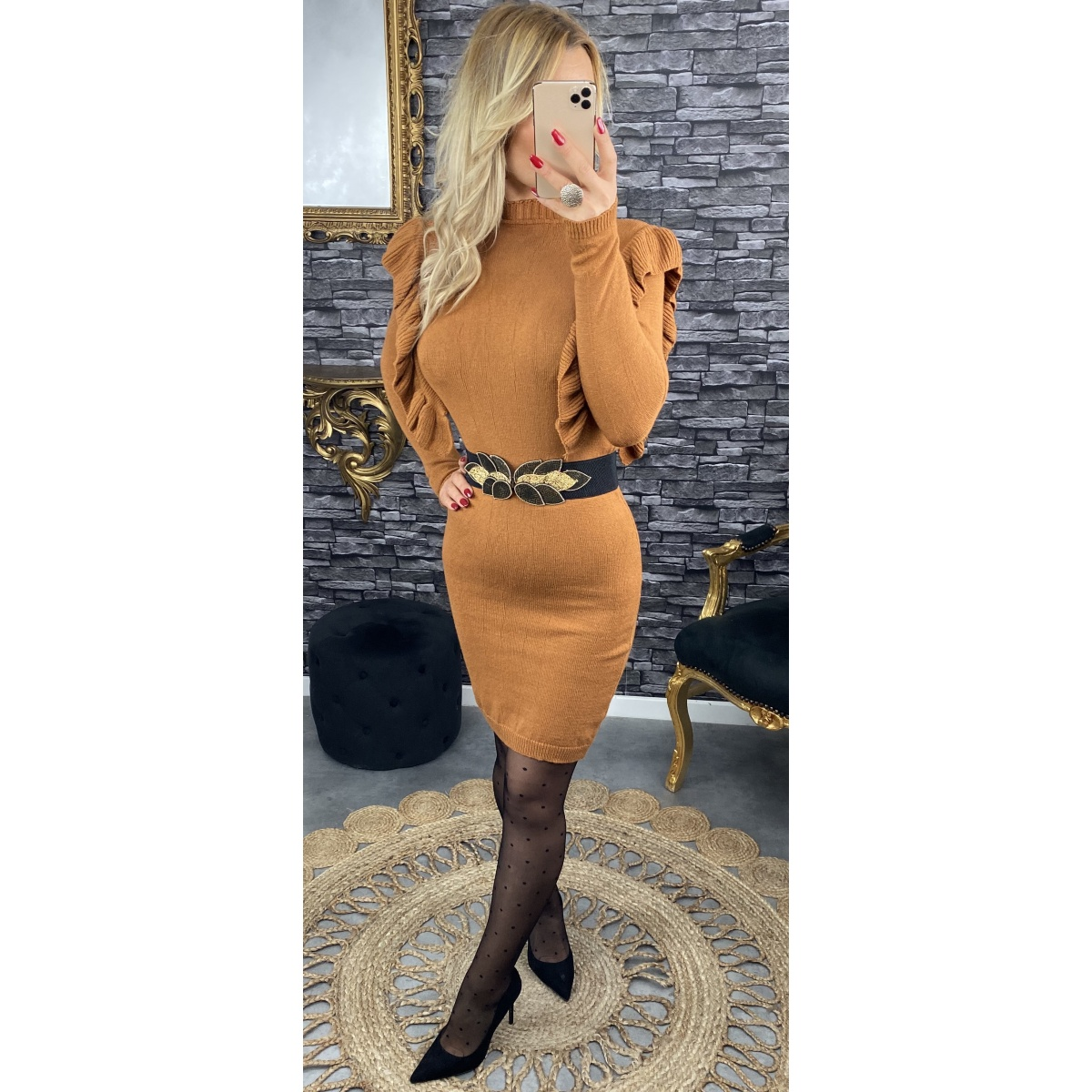 Robe camel col froufrou
