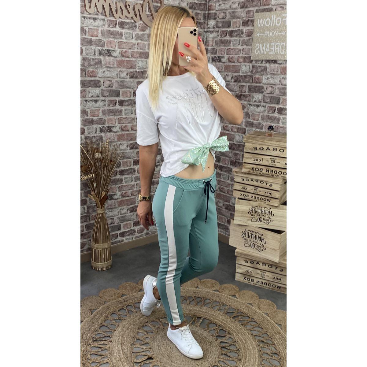 Pantalon style jogging vert d'eau et bande blanche