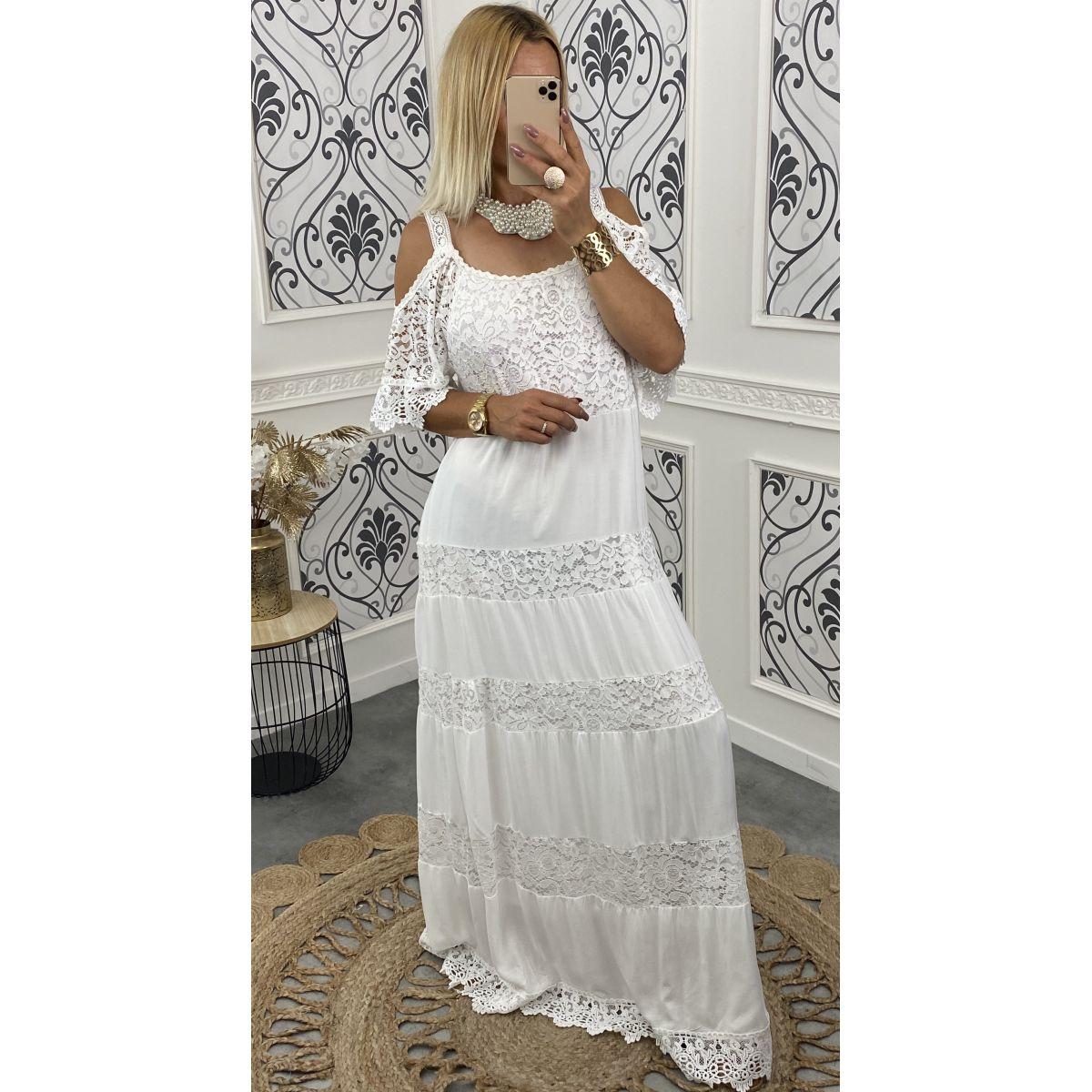 Robe longue joli dentelle blanche