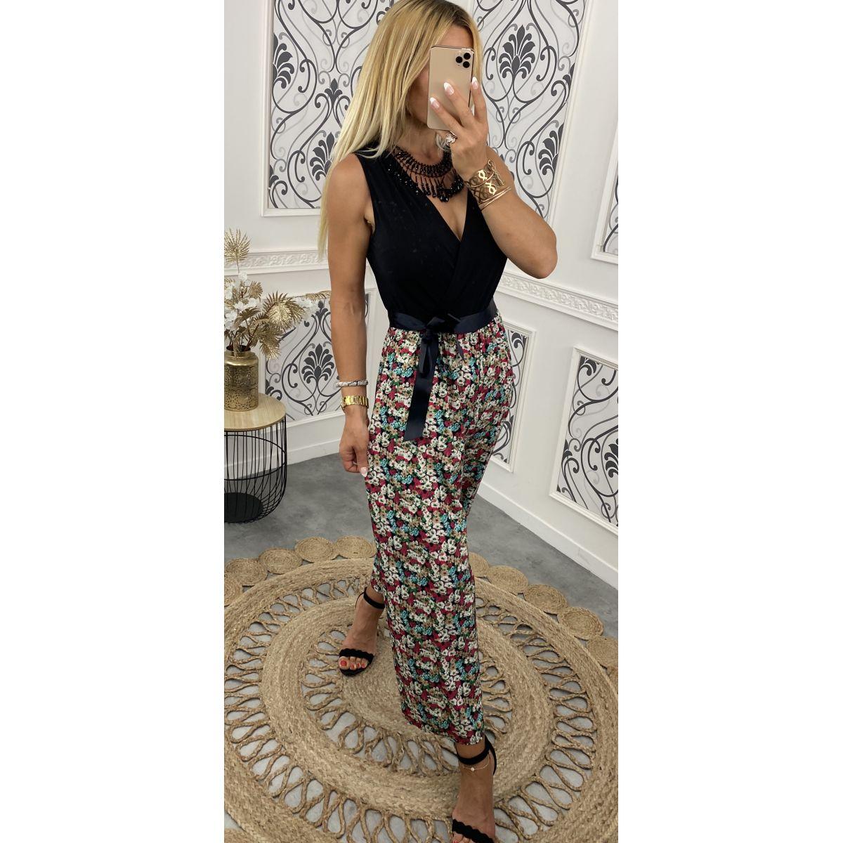 Combi-pantalon noire et fleuri 4